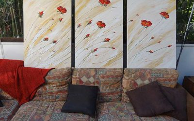 Commande d'un triptyque avec un motif  léger de fleurs rouges