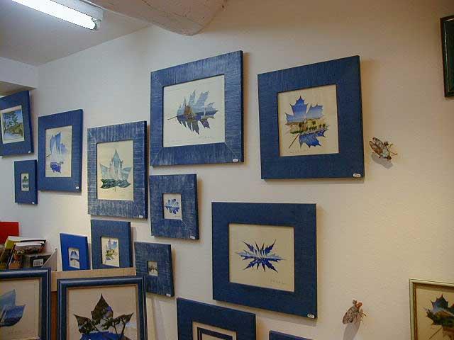 Les peintures sur feuilles naturelles sur le thème des marines de Sylvie Adaoust en décembre 2001 à Sanary-sur-mer dans le var en France exposées dans sa première galerie d'art 02